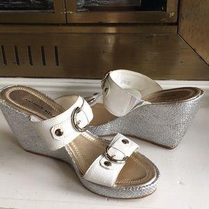 Antonio Melani Aspire White wedge sandals Sz 9